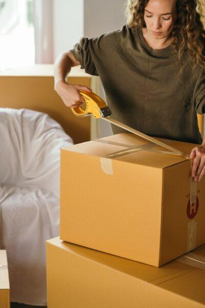 taping up packing box
